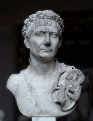 ANTIQUITE - Page 19 Trajan10