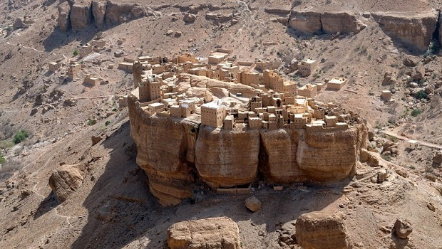 AL HAJJARA, le village  des nuages (Yémen) Villag10