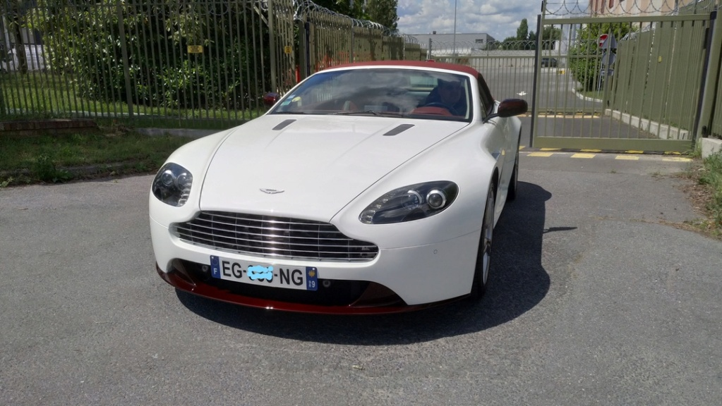 Ahhh Aston Martin...Le post officiel des Astons - Page 2 Img_2010