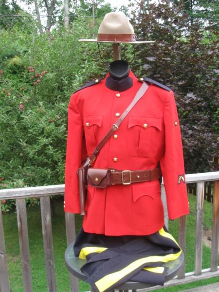 Uniforme de la Gendarmerie royale du Canada Img_7310