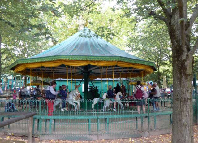 Choses vues dans le jardin du Luxembourg, à Paris - Page 6 1-00510