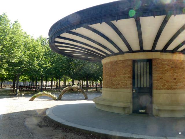 Choses vues dans le jardin du Luxembourg, à Paris - Page 7 1-01219