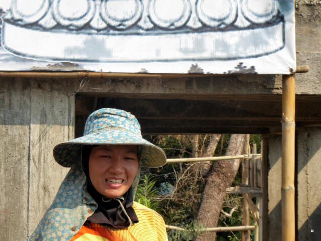 Un petit temple, sans doute unique en Thaïlande. 1-01314