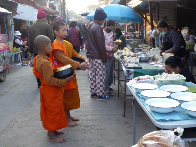 Marché de Thoet Thaï 1-02315