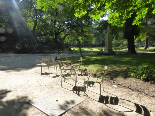 Choses vues dans le jardin du Luxembourg, à Paris - Page 6 1-30_j15