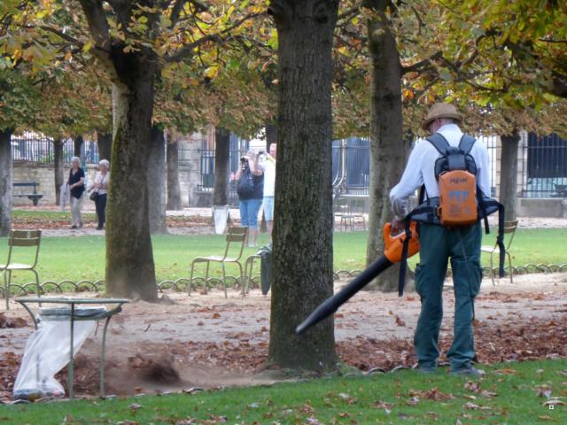Choses vues dans le jardin du Luxembourg, à Paris - Page 6 1-lux_12