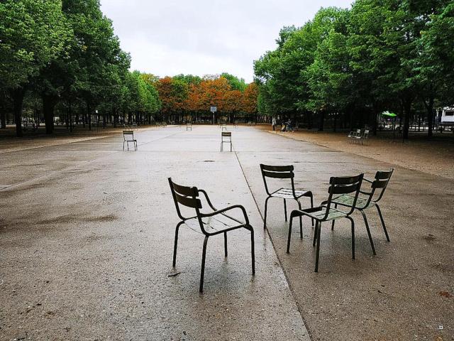 Choses vues dans le jardin du Luxembourg, à Paris - Page 8 1-thum36