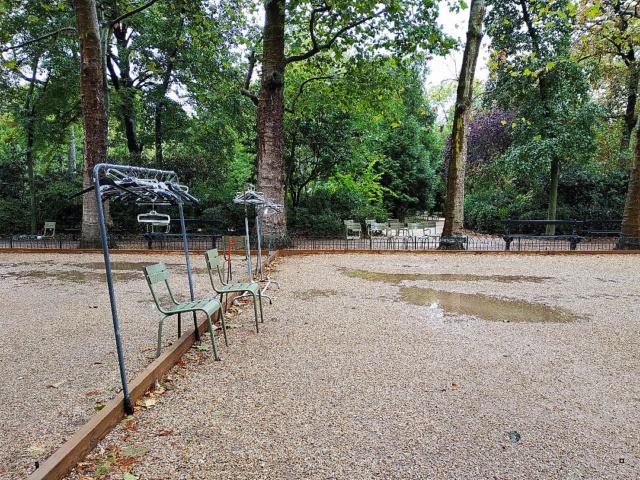 Choses vues dans le jardin du Luxembourg, à Paris - Page 8 1-thum38