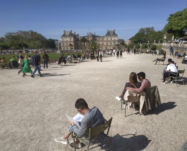 Choses vues dans le jardin du Luxembourg, à Paris - Page 9 16194615