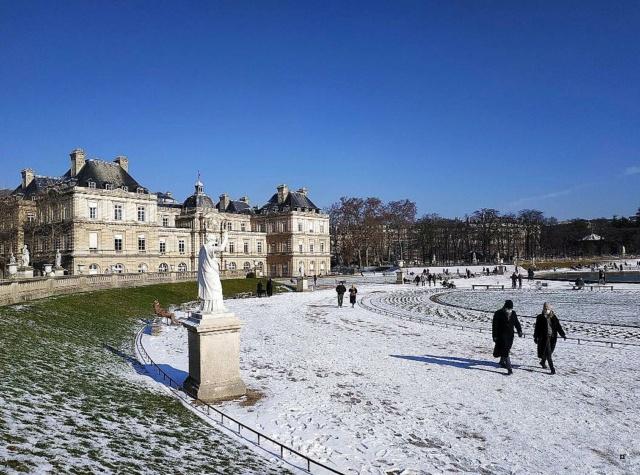 Choses vues dans le jardin du Luxembourg, à Paris - Page 9 Neige410