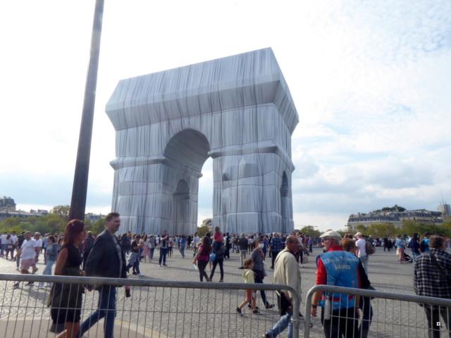 L'Arc de Triomphe ne m'emballe pas... P1050810