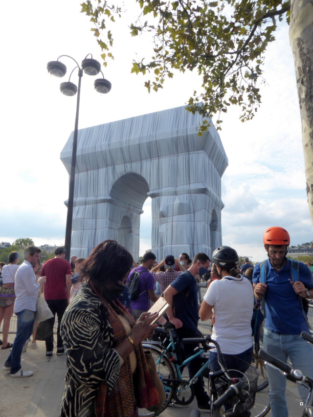 L'Arc de Triomphe ne m'emballe pas... P1050811