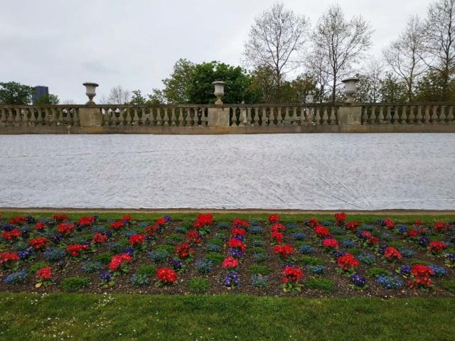 Choses vues dans le jardin du Luxembourg, à Paris - Page 9 Paques10