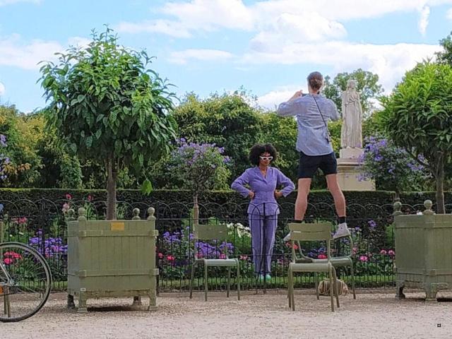 Choses vues dans le jardin du Luxembourg, à Paris - Page 8 Thumbn58