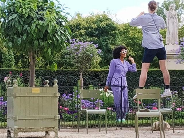 Choses vues dans le jardin du Luxembourg, à Paris - Page 8 Thumbn59