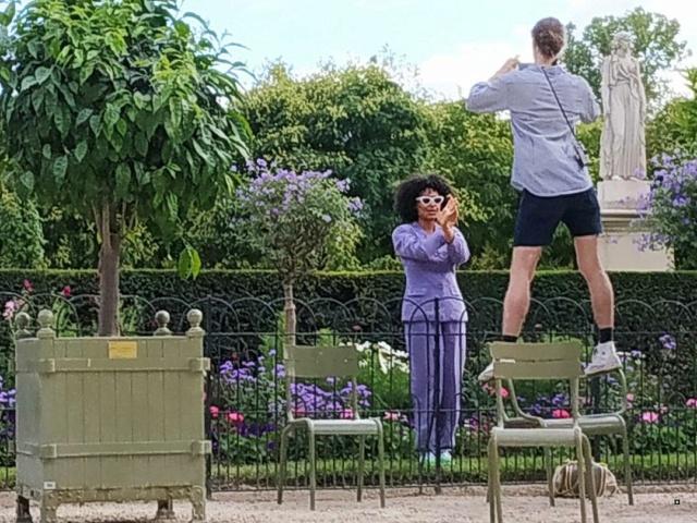 Choses vues dans le jardin du Luxembourg, à Paris - Page 8 Thumbn60