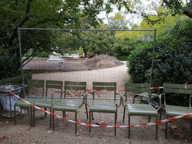 Choses vues dans le jardin du Luxembourg, à Paris - Page 8 Thumbn79