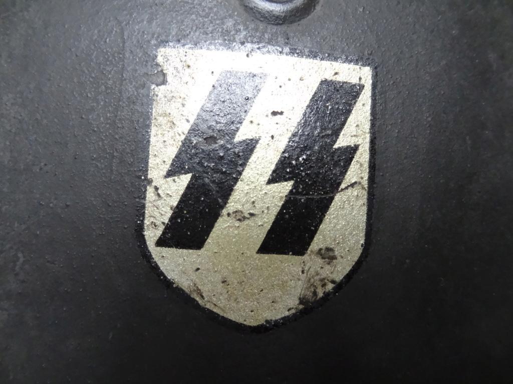 Casque allemand M40 SS Dsc04413