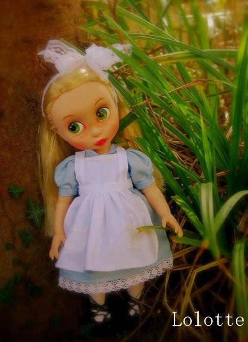 """L'univers """"Alice au pays des merveilles"""" de marrainefée et des Dollleuses. changement du titre le 20/11/18 - Page 5 Imgp4910"""