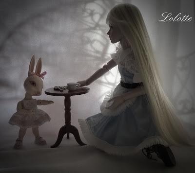 """L'univers """"Alice au pays des merveilles"""" de marrainefée et des Dollleuses. changement du titre le 20/11/18 - Page 5 P1010710"""