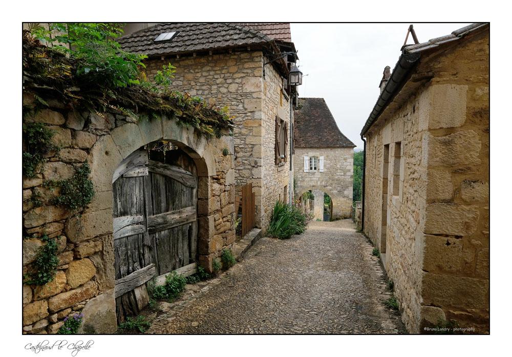 Le village de Castelnaud la chapelle et son château Dscf6312