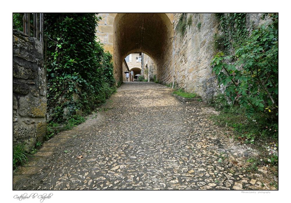 Le village de Castelnaud la chapelle et son château Dscf6313