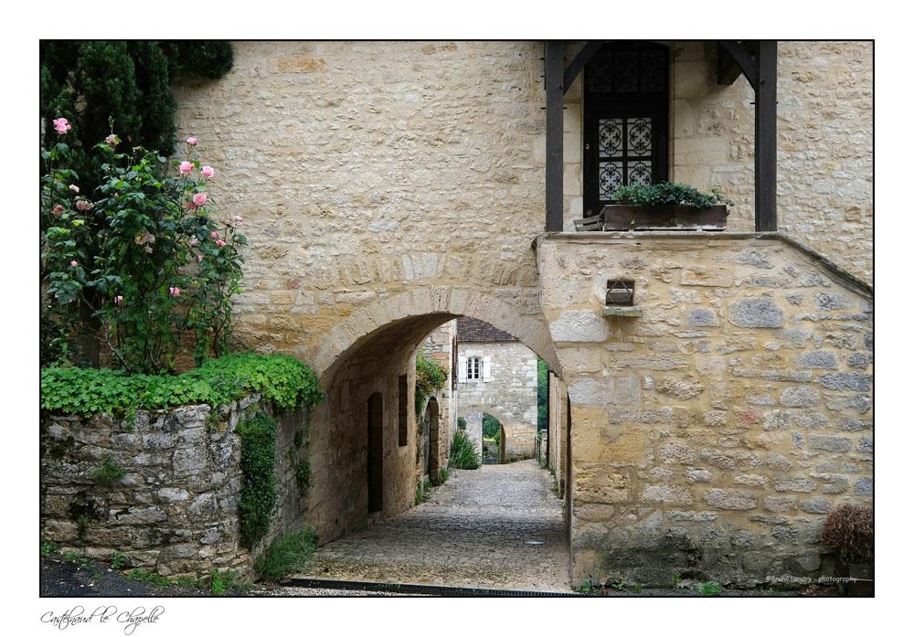 Le village de Castelnaud la chapelle et son château Dscf6316