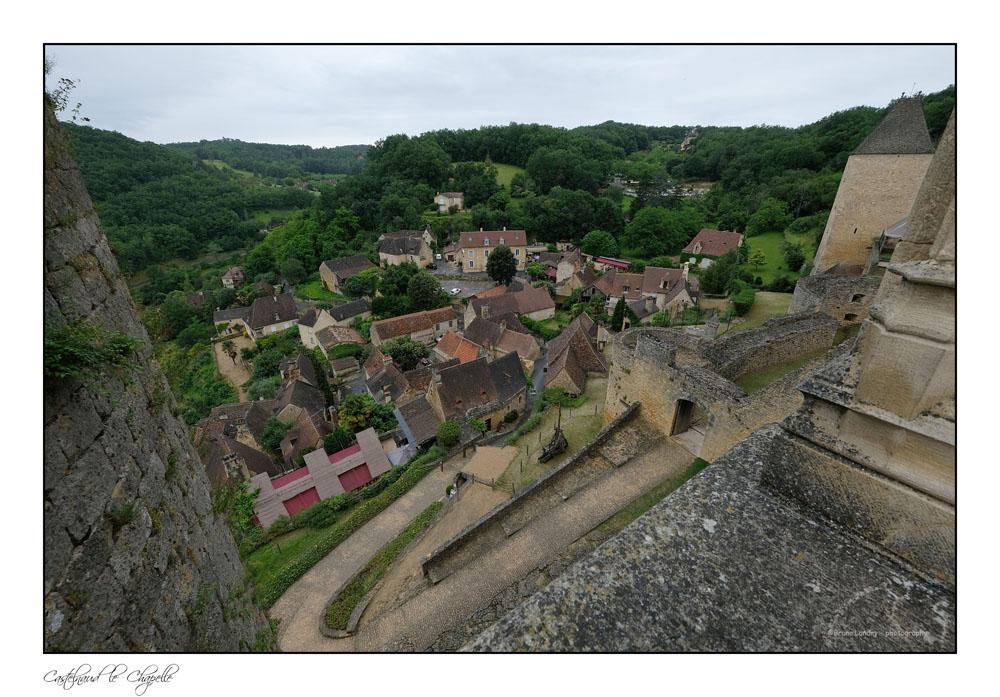Le village de Castelnaud la chapelle et son château Dscf6317