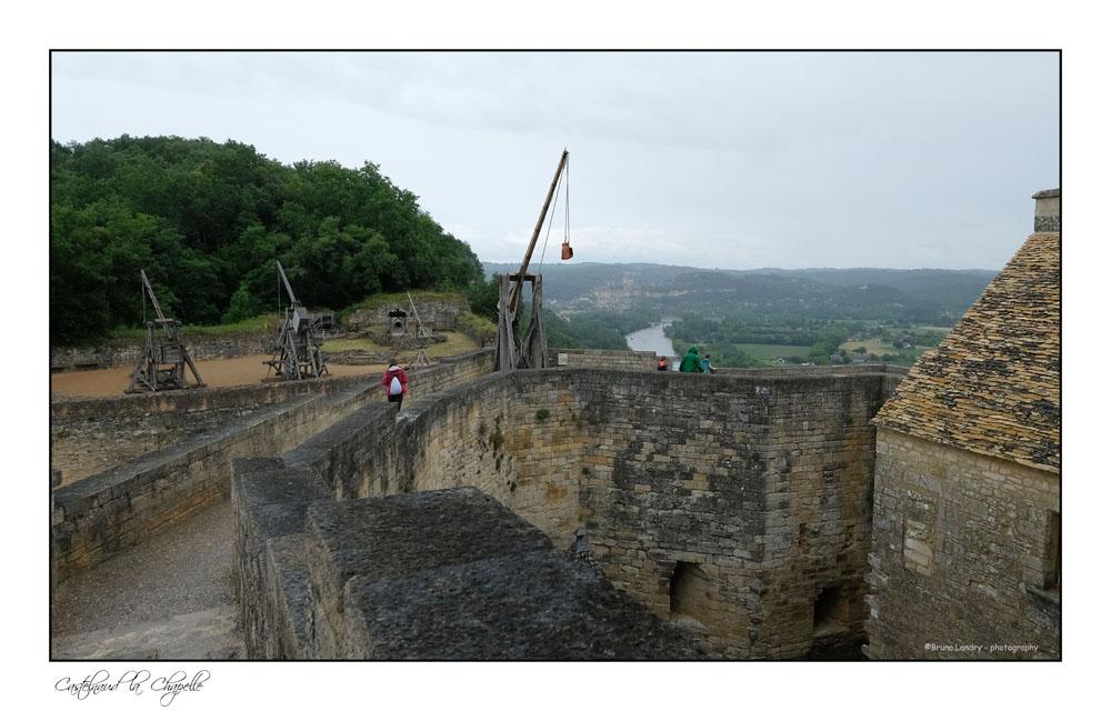 Le village de Castelnaud la chapelle et son château Dscf6318
