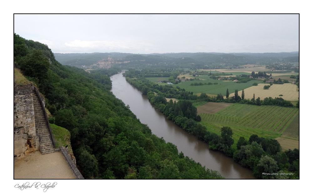 Le village de Castelnaud la chapelle et son château Dscf6319