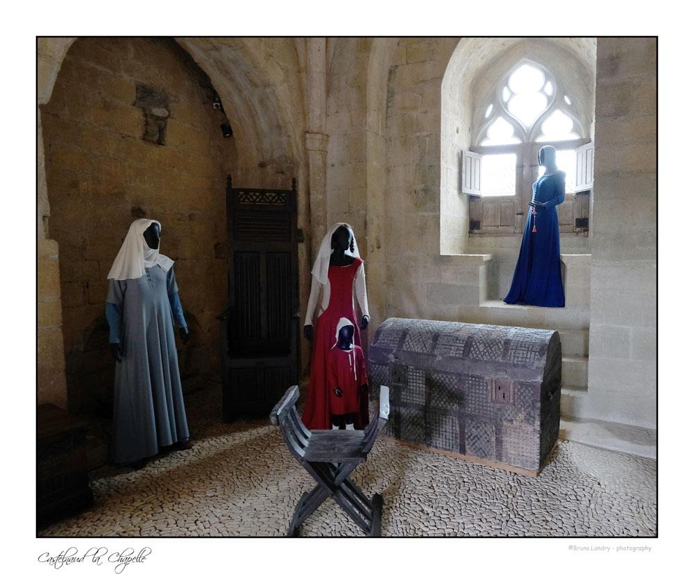 Le village de Castelnaud la chapelle et son château Dscf6329