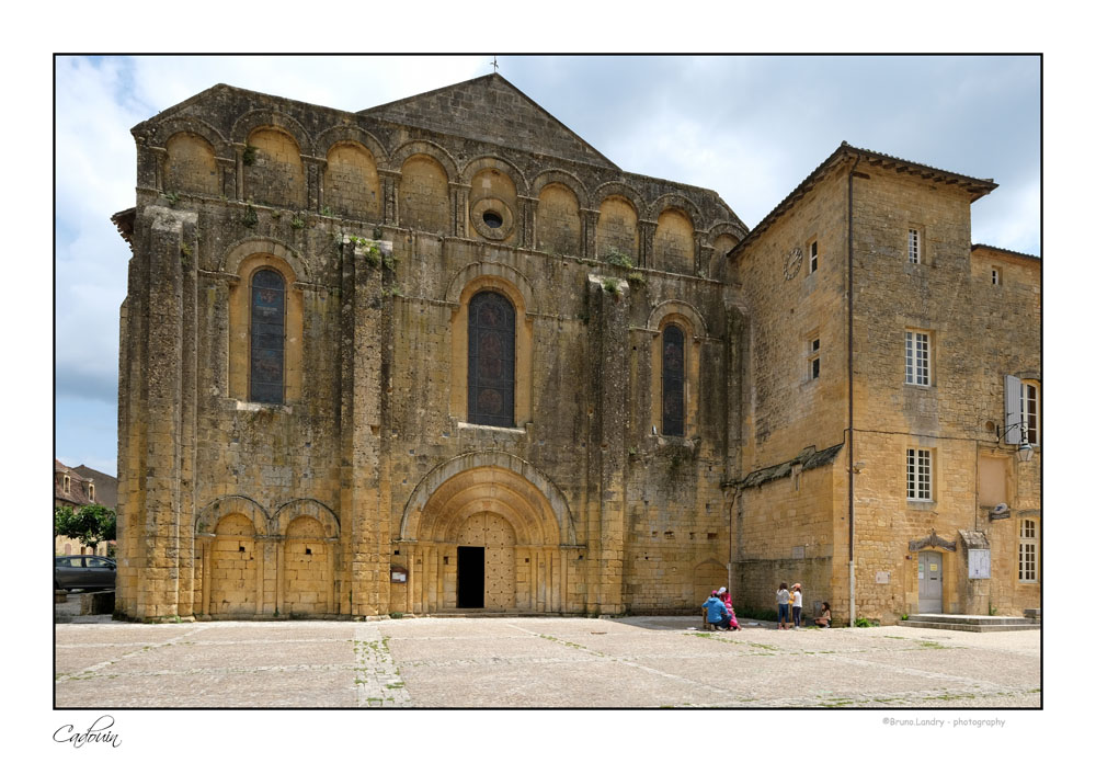 Le village de Cadouin et son abbaye Dscf6613