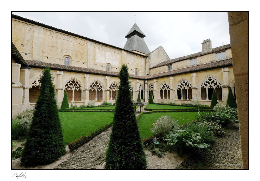 Le village de Cadouin et son abbaye Dscf6627