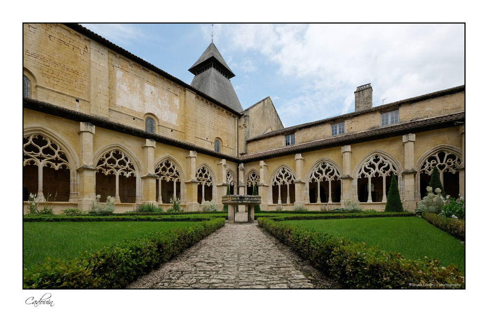Le village de Cadouin et son abbaye Dscf6631