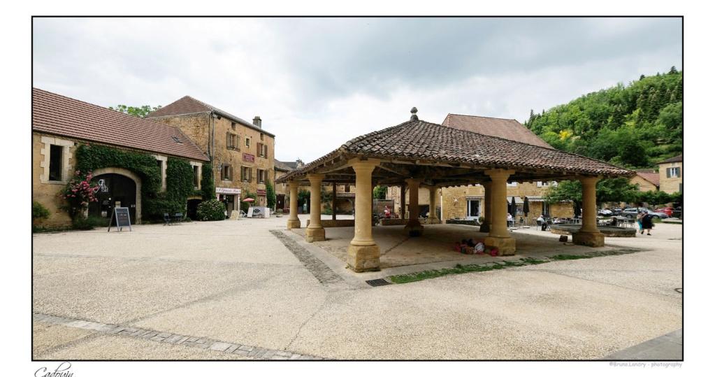 Le village de Cadouin et son abbaye Dscf6658