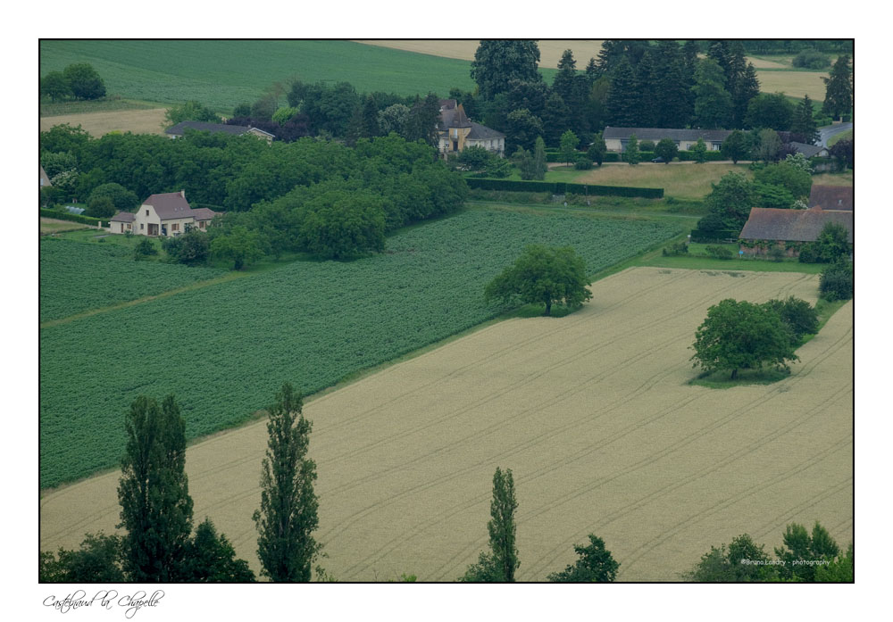 Le village de Castelnaud la chapelle et son château Dscf7329