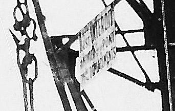Une grue sur les quais 44082610