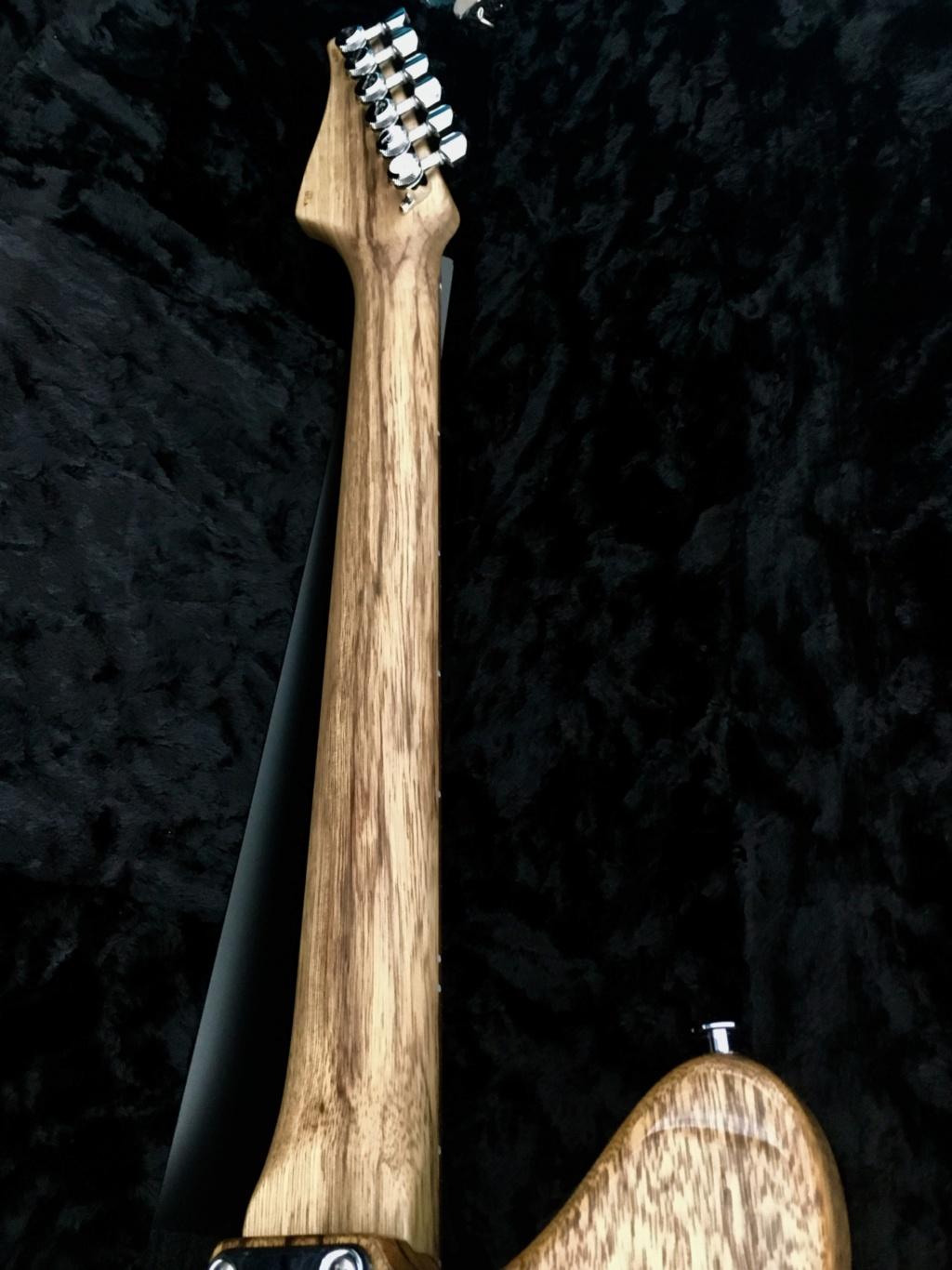 Suhr Custom JM - Black Limba Ced40610