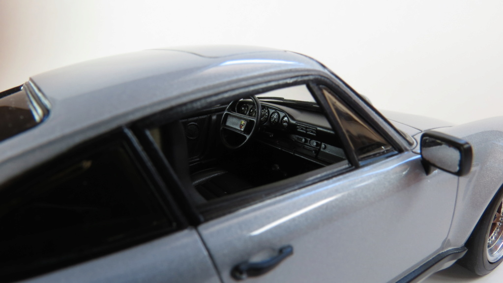Porsche  930 fin '70 Img_4110
