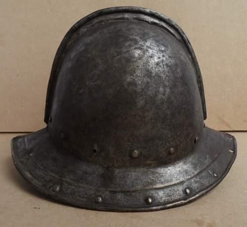 Casque d'infanterie XVII ème siècle Cuiras11