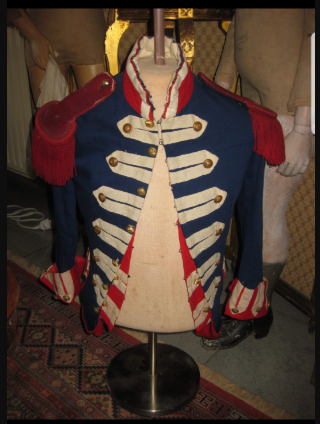 Costume historique pour les productions cinématographiques de la Société Française de production Frans_10