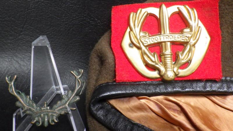 Berets et insignes Hollandais Rimg0812