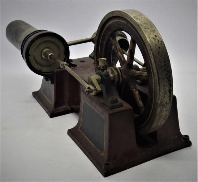 moteur Stirling, ou moteur à air chaud. Georges Carette, Nuremberg. Rimg0924