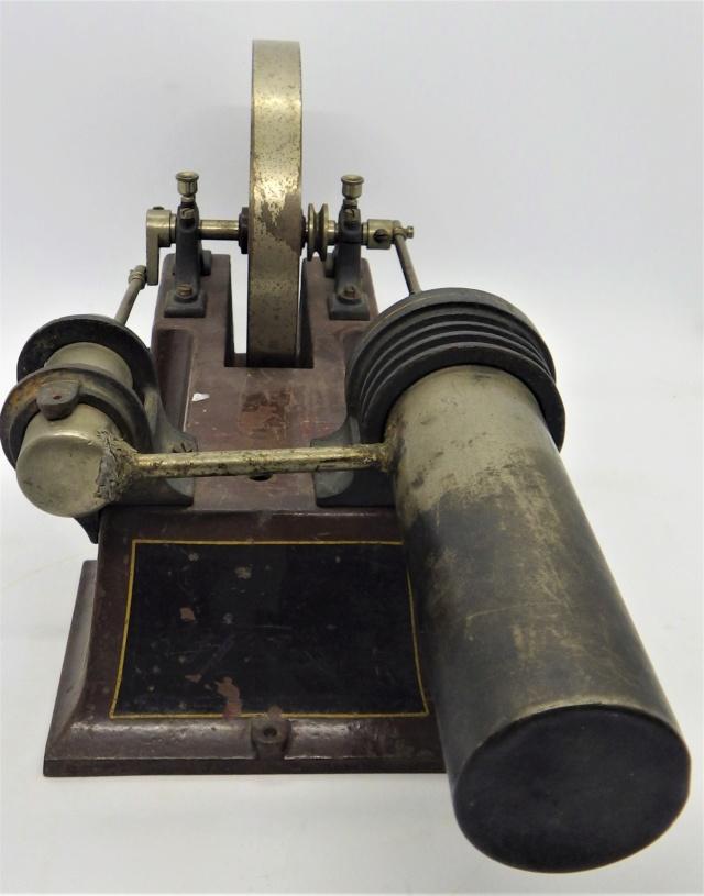 moteur Stirling, ou moteur à air chaud. Georges Carette, Nuremberg. Rimg0925