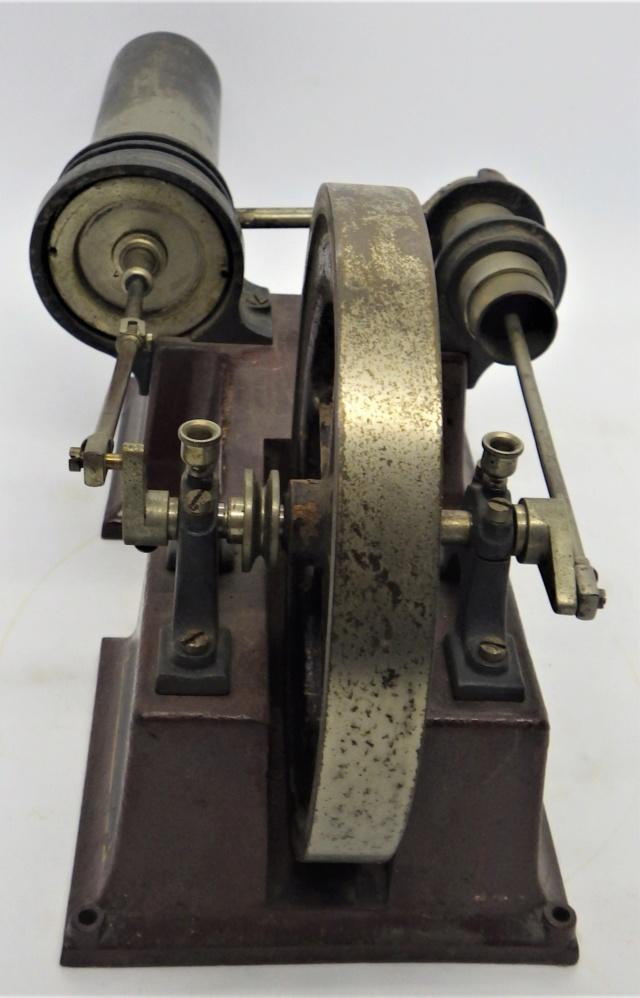 moteur Stirling, ou moteur à air chaud. Georges Carette, Nuremberg. Rimg0927