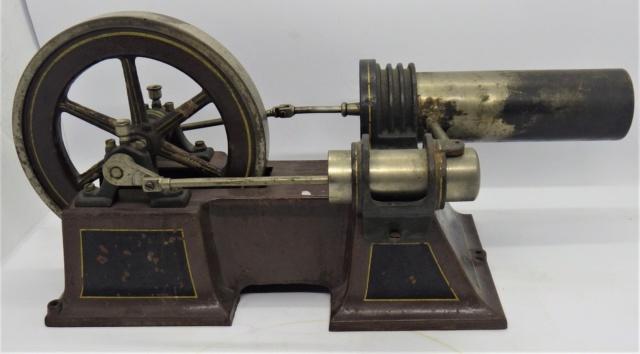 moteur Stirling, ou moteur à air chaud. Georges Carette, Nuremberg. Rimg0928