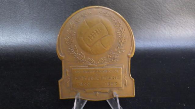 médaille de table Friling Eugéne joueur de foot au Beerschot Rimg2321