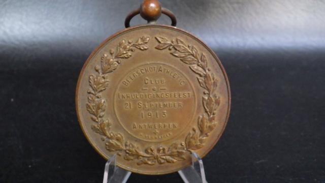 médaille de table Friling Eugéne joueur de foot au Beerschot Rimg2322