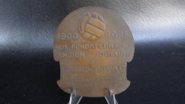 médaille de table Friling Eugéne joueur de foot au Beerschot Rimg2326