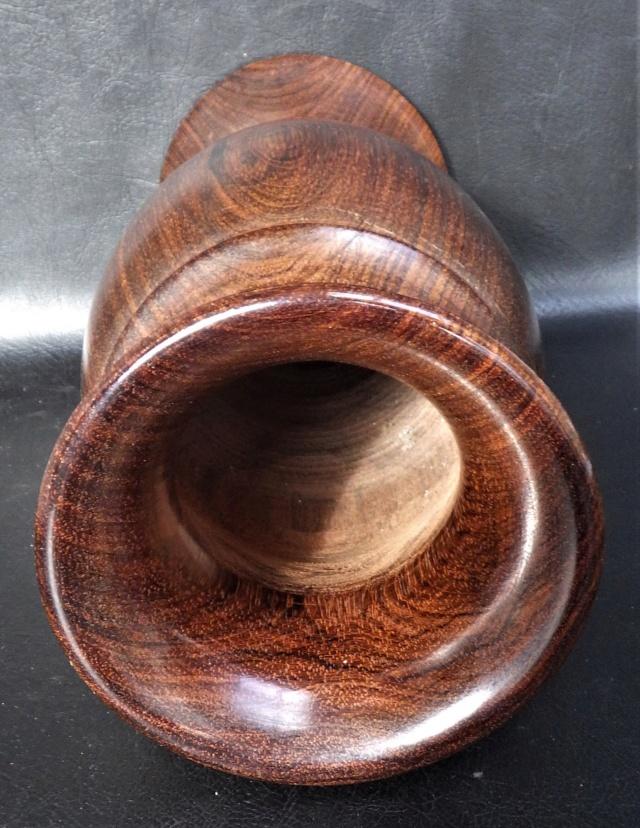 vase en palissandre modéle balustre Rimg2338